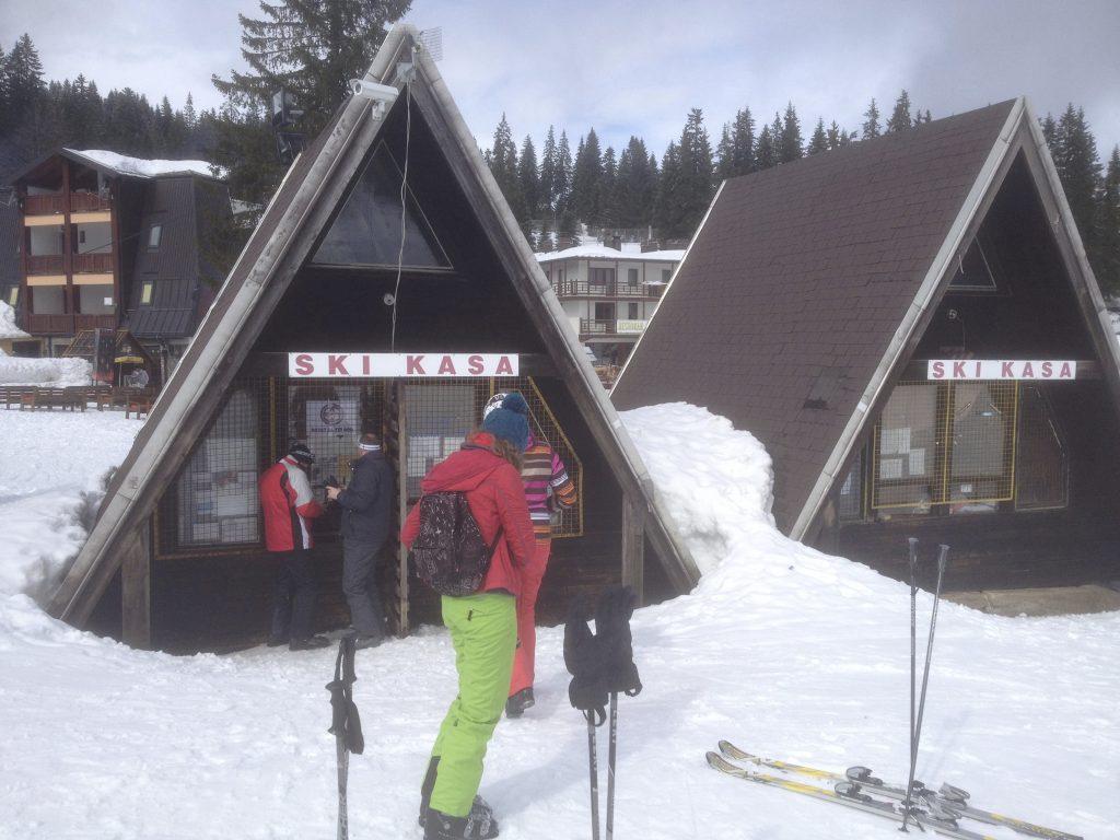 Bosnia Crazy Snow Camp 2013 06